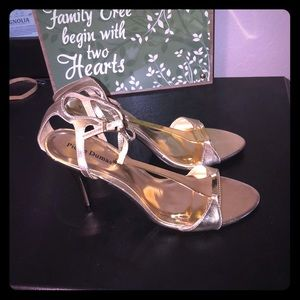 Gold formal shoes